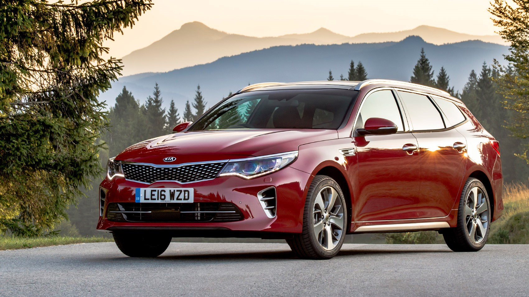 kia optima sportswagon 1 7 crdi gt line s 2016 review by car magazine. Black Bedroom Furniture Sets. Home Design Ideas