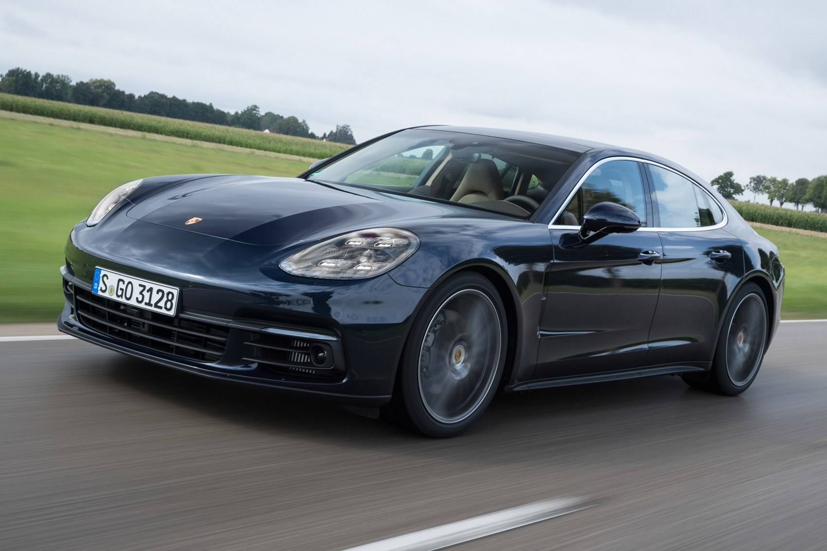 porsche panamera 4s diesel 2016 review by car magazine. Black Bedroom Furniture Sets. Home Design Ideas