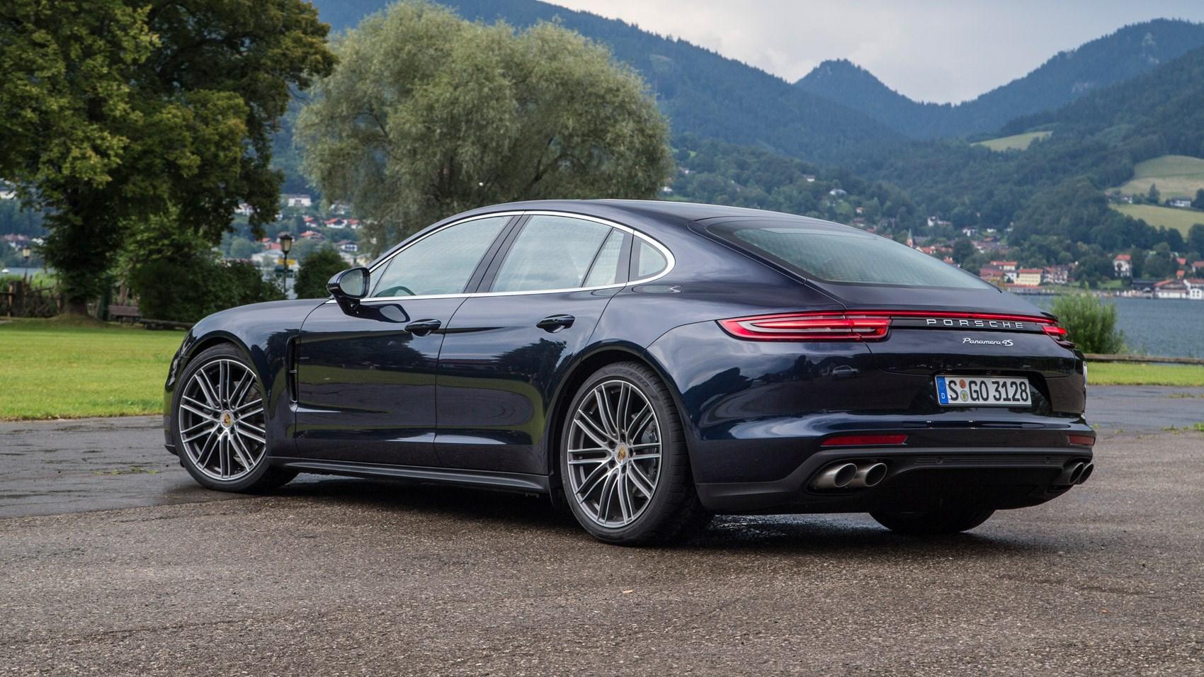 Porsche Panamera 4S Diesel 2016 review by CAR Magazine