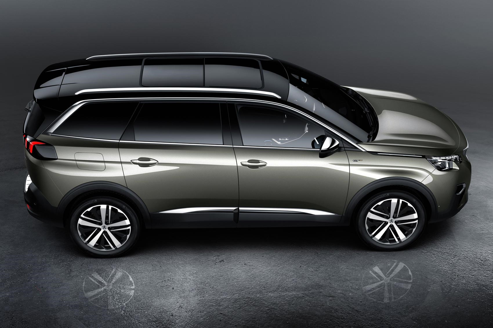 same name very different face new peugeot 5008 unveiled by car magazine. Black Bedroom Furniture Sets. Home Design Ideas