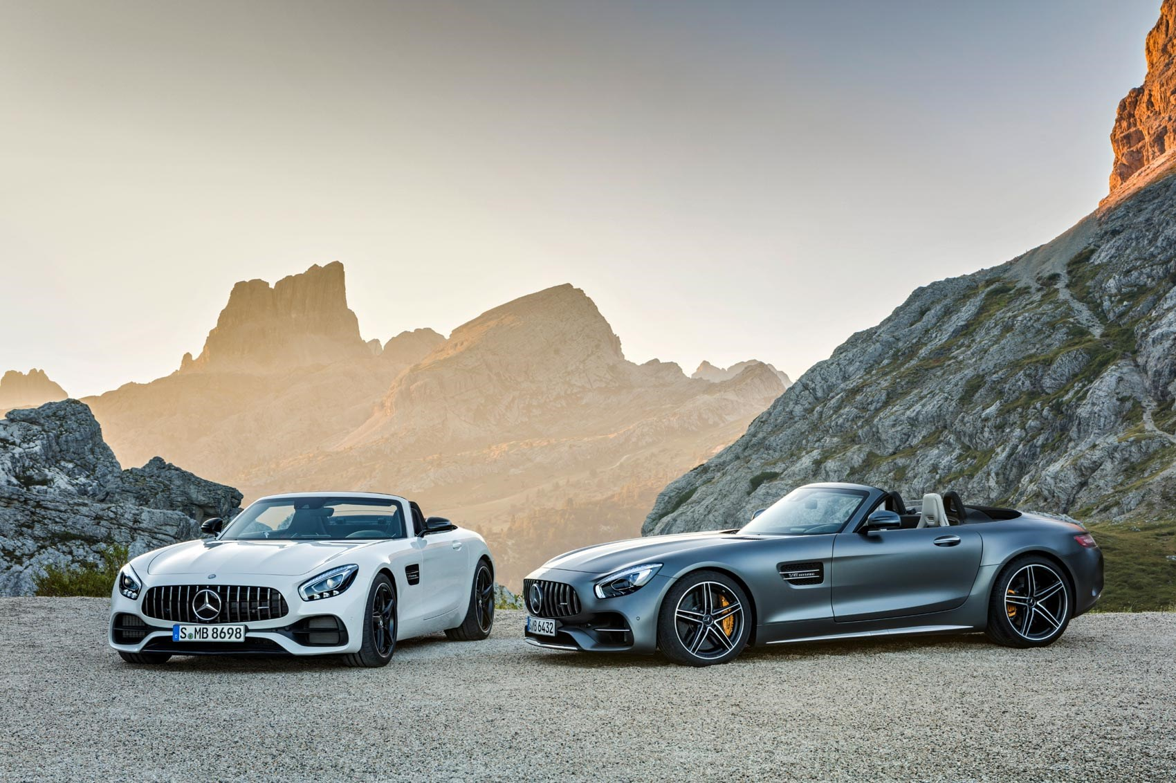 Alfa img showing gt sls amg gt roadster interior -  2016 Mercedes Amg Gt Roadster And Gt C Roadster