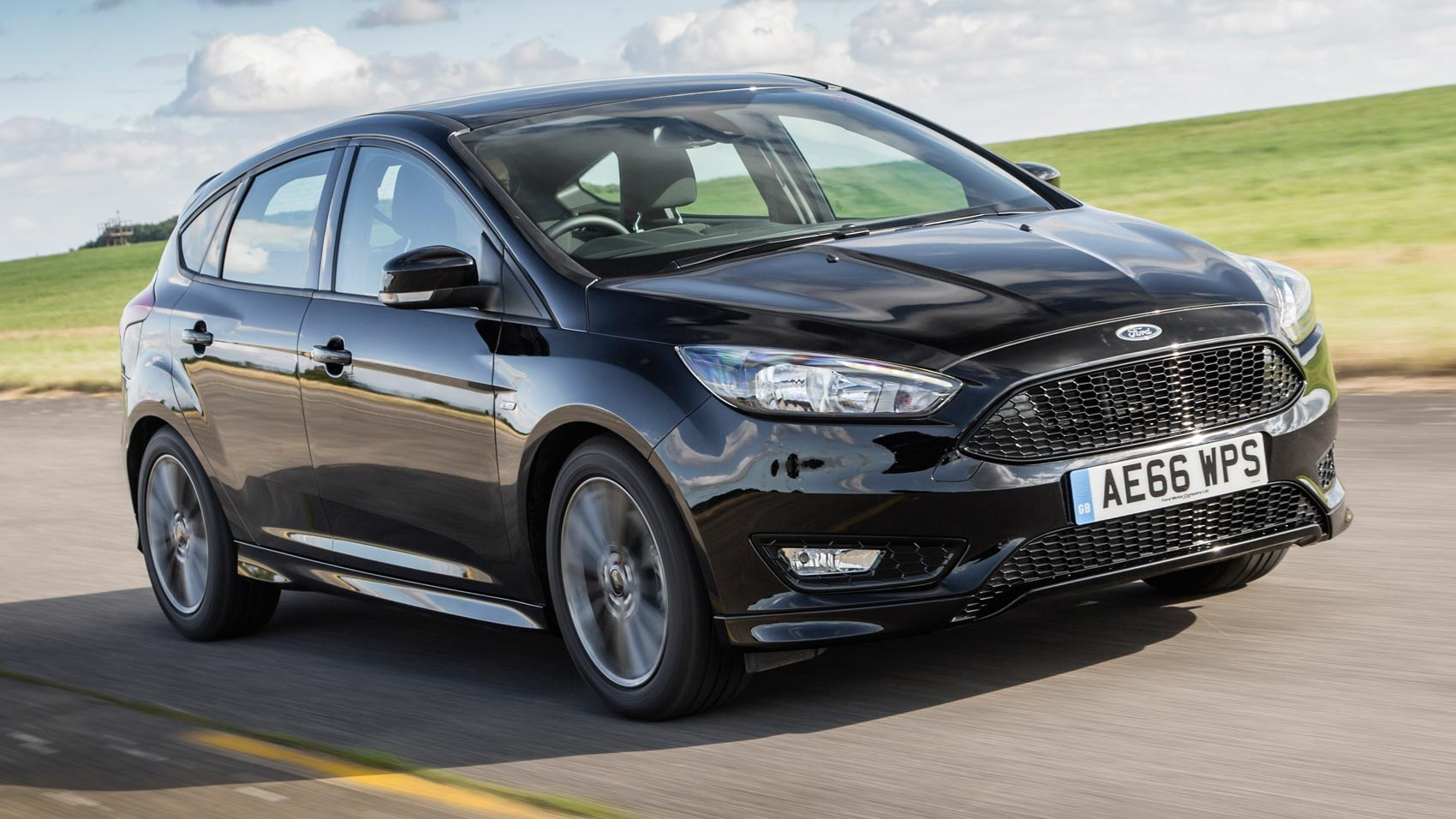 Ford Lease Deals 2017 >> Ford Focus ST-Line 1.5T Ecoboost 150 (2016) review by CAR Magazine