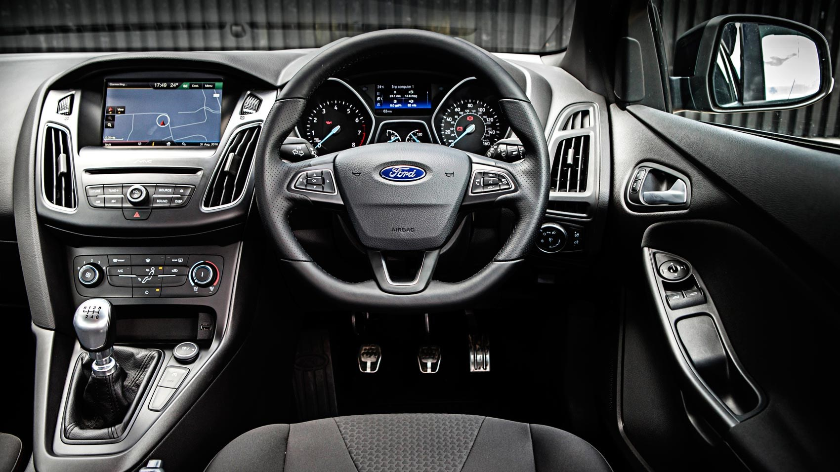 ford focus st line 1 5t ecoboost 150 2016 review by car magazine. Black Bedroom Furniture Sets. Home Design Ideas