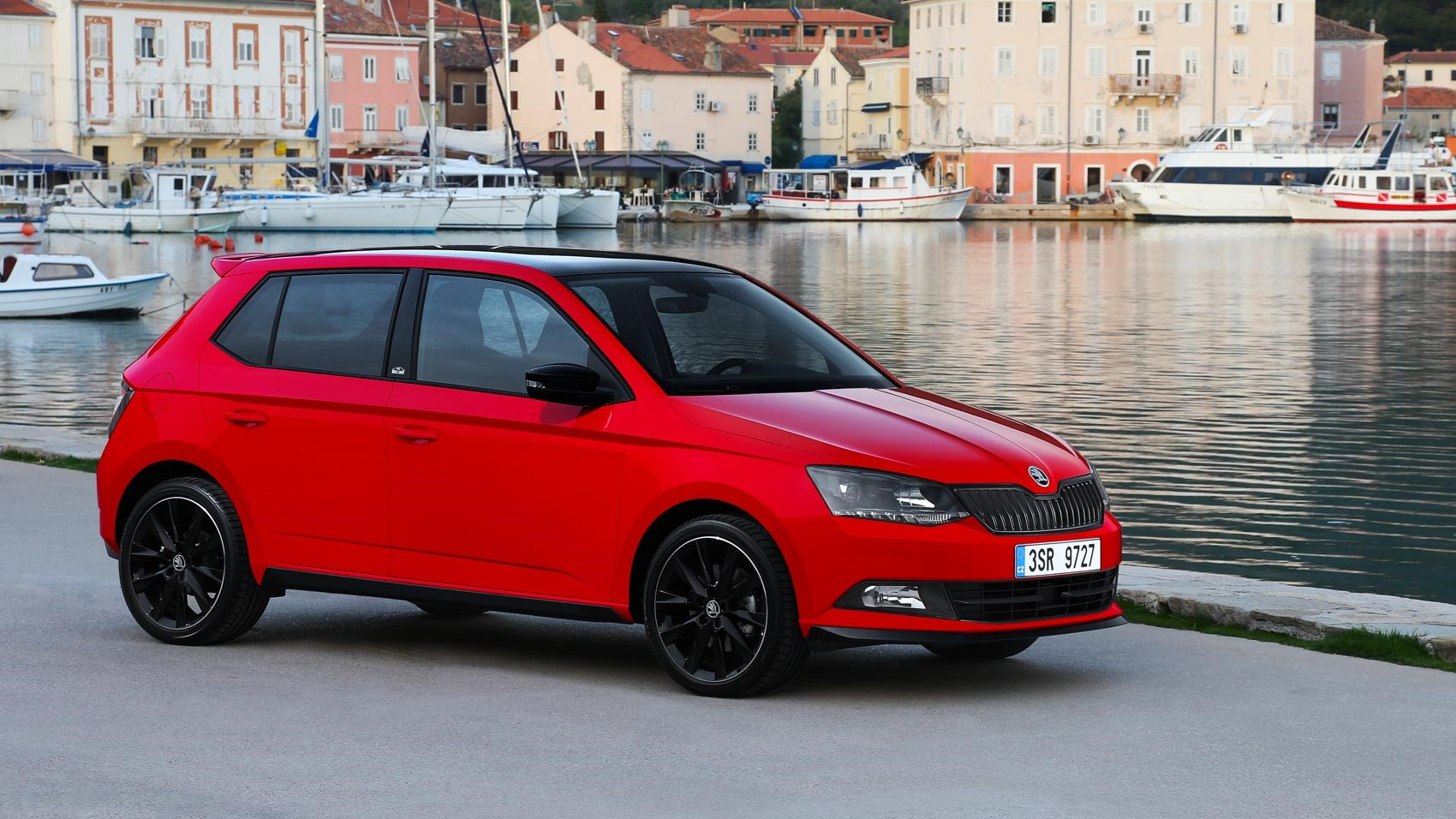 skoda fabia 1 2 tsi 90ps monte carlo 2016 review by car. Black Bedroom Furniture Sets. Home Design Ideas