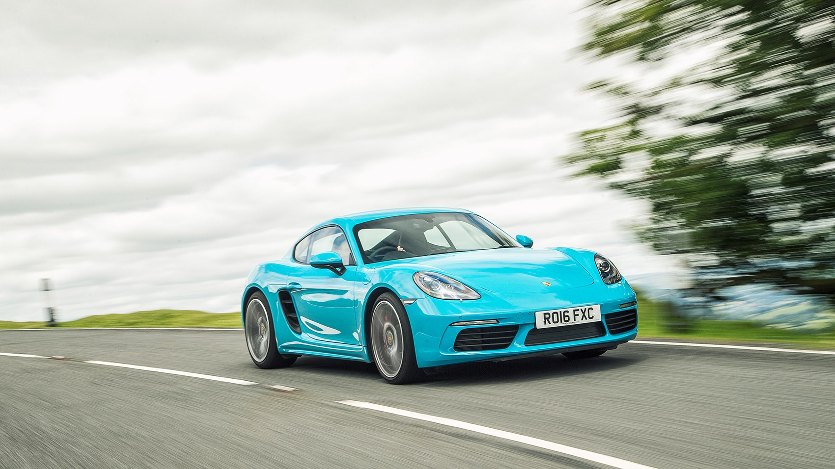 2016 Porsche Cayman S Review >> Porsche 718 Cayman S Review 2016 Car Magazine