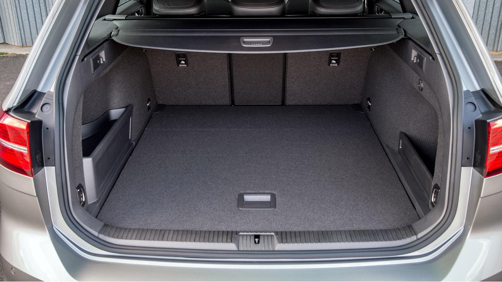 Vw Lease Deals >> VW Passat GTE Estate (2016) review | CAR Magazine