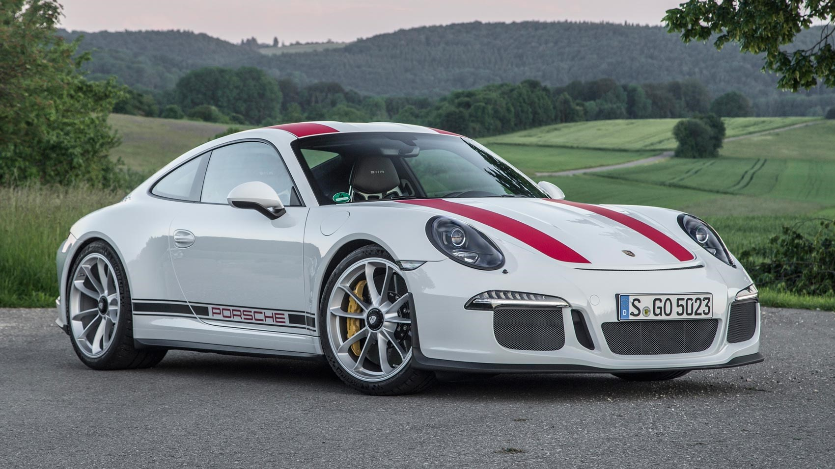 Porsche 911 R (2016) review | CAR Magazine