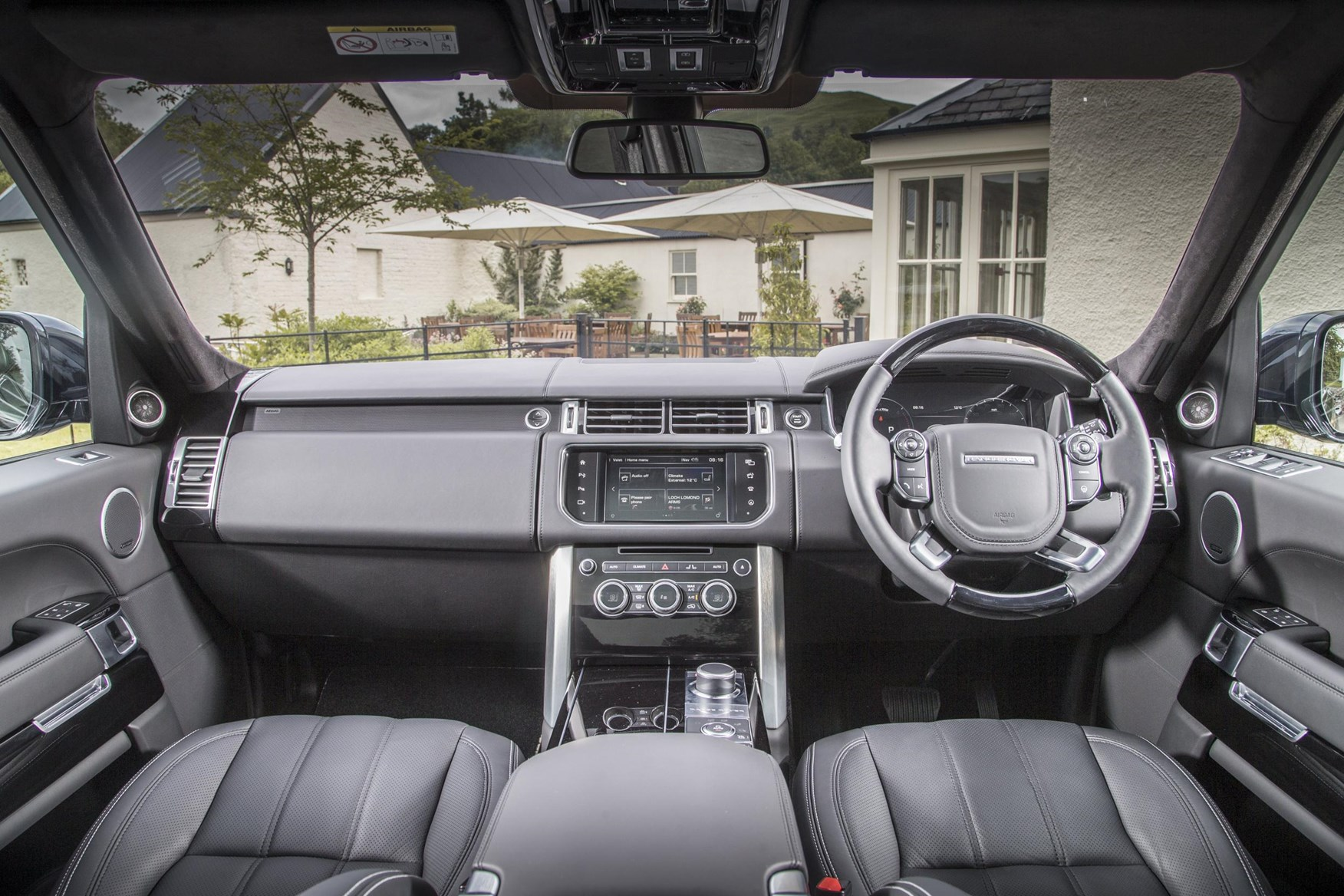 Inside Of A Range Rover >> Range Rover Car Magazine