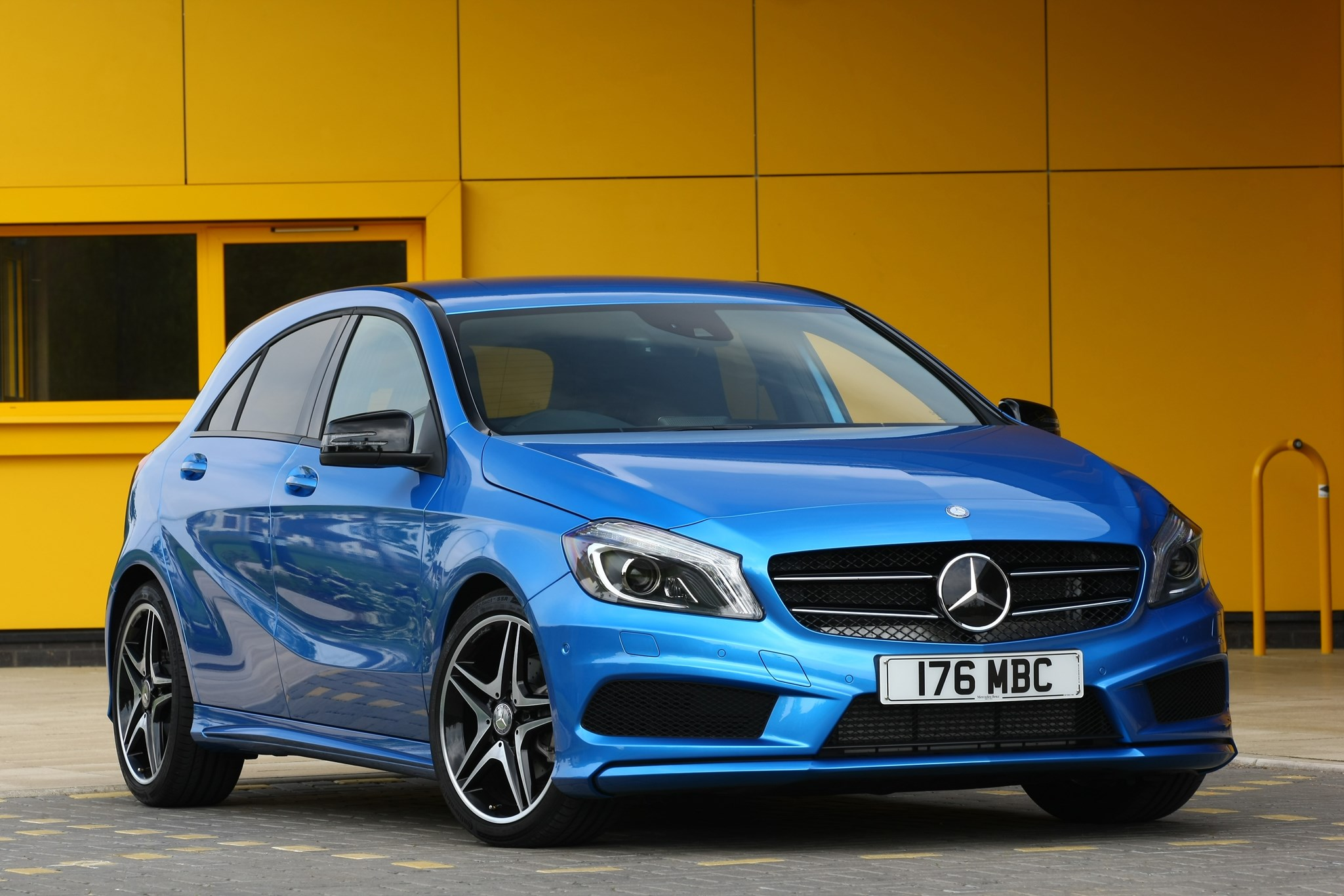 Mercedes a class car magazine for Mercedes benz insurance