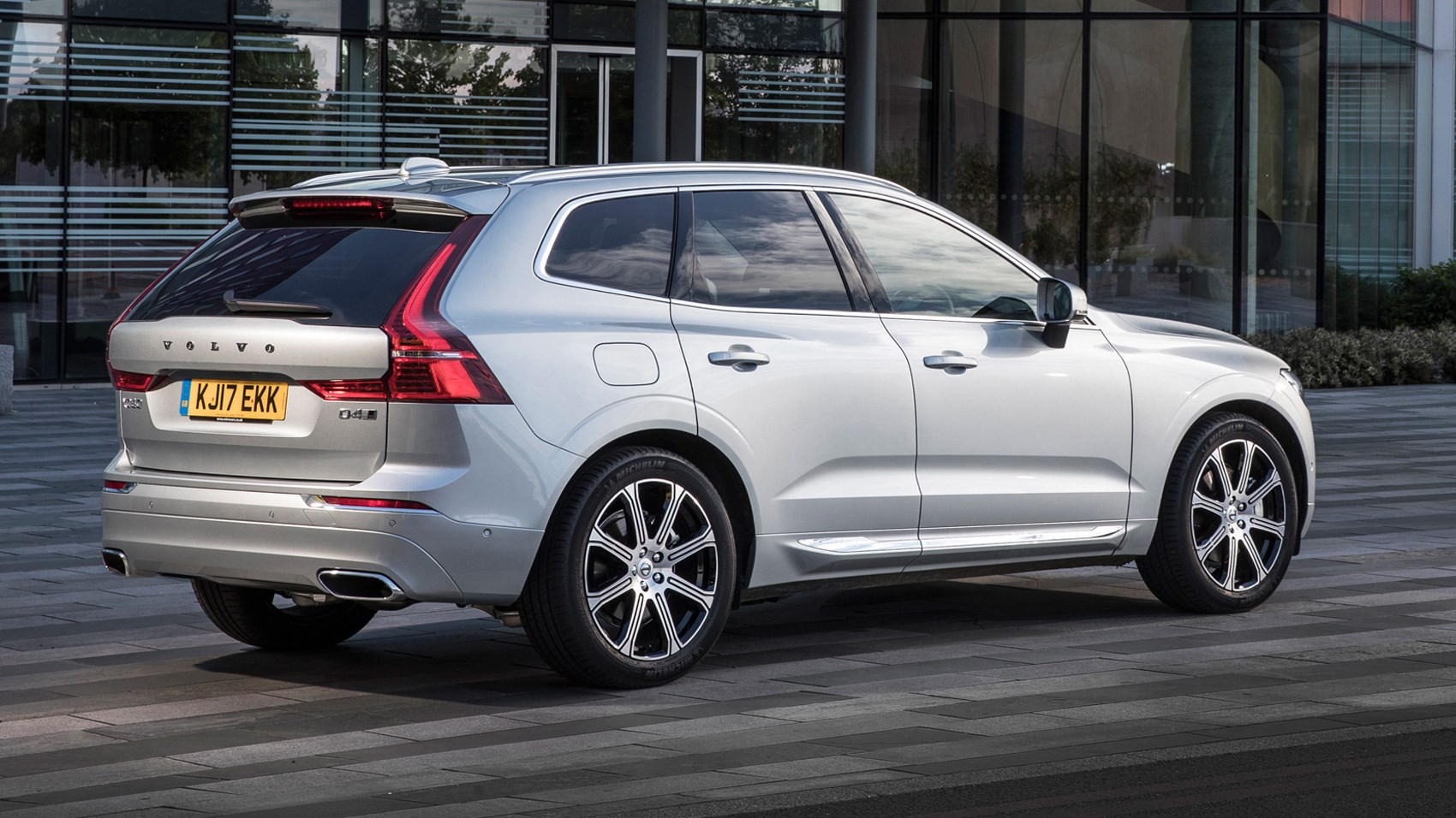 all lease about awd listings cars full volvo