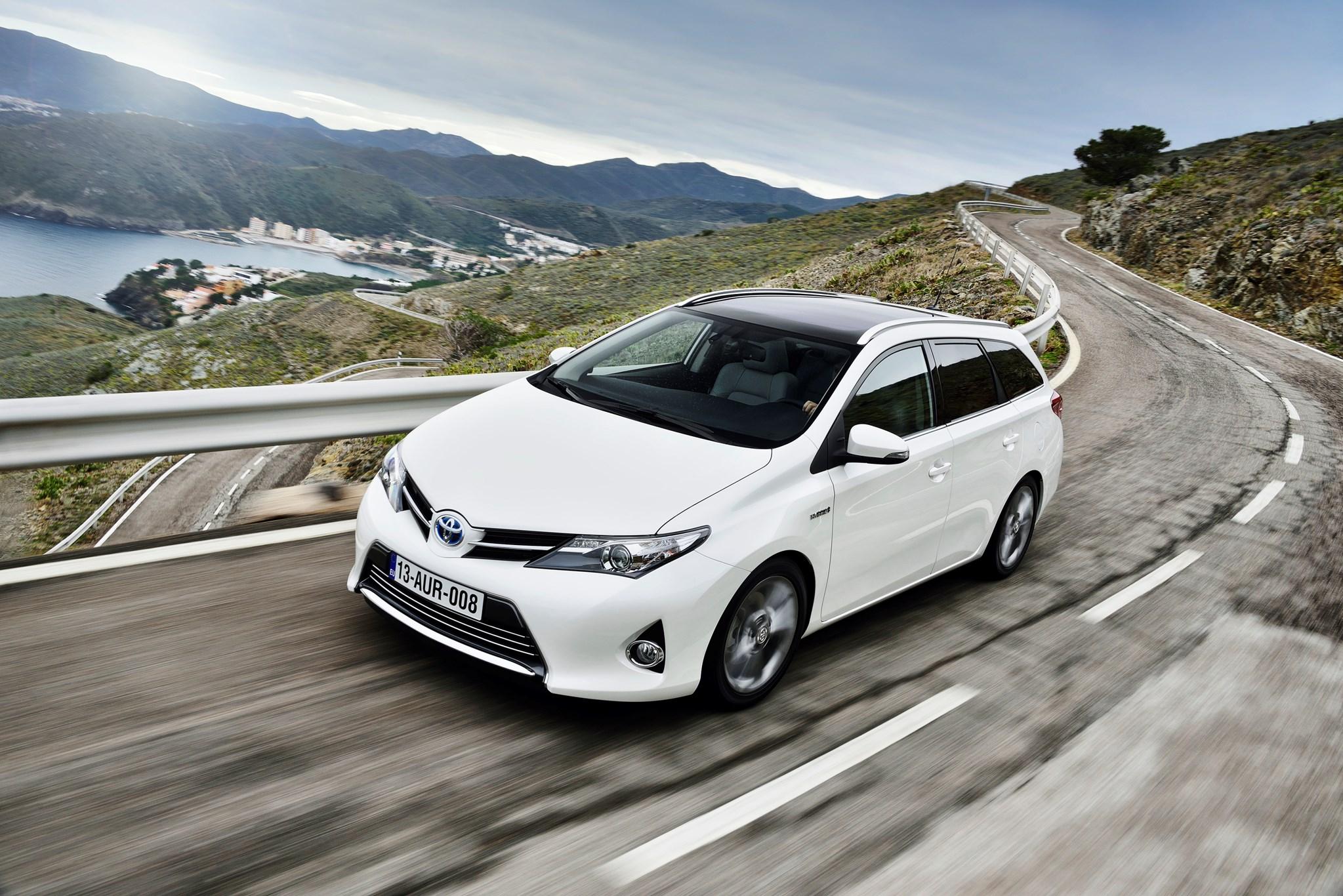 Toyota Auris By Car Magazine