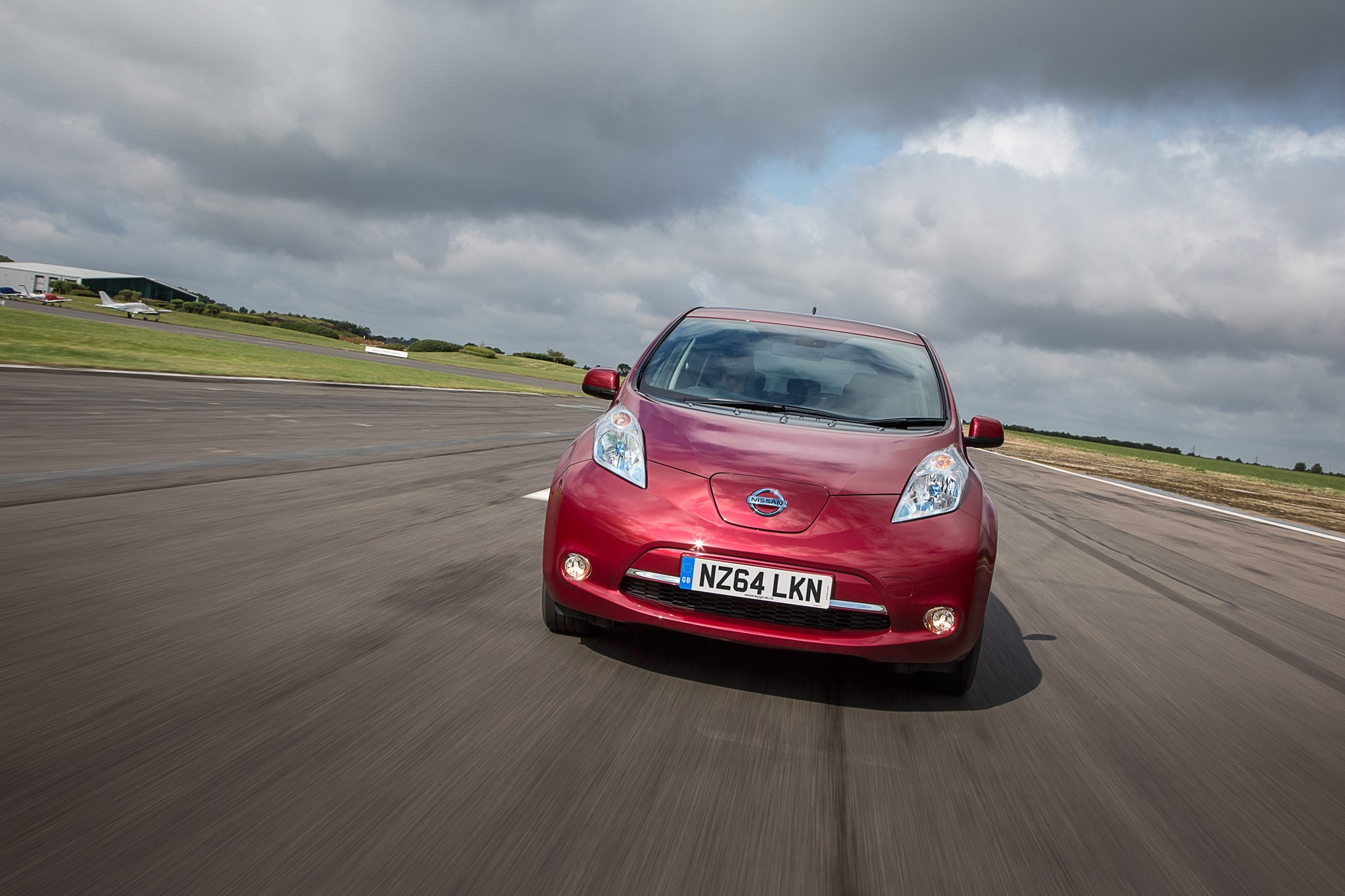 nissan taxi car leaf electric video news gallery evs trials vehicle photo enter