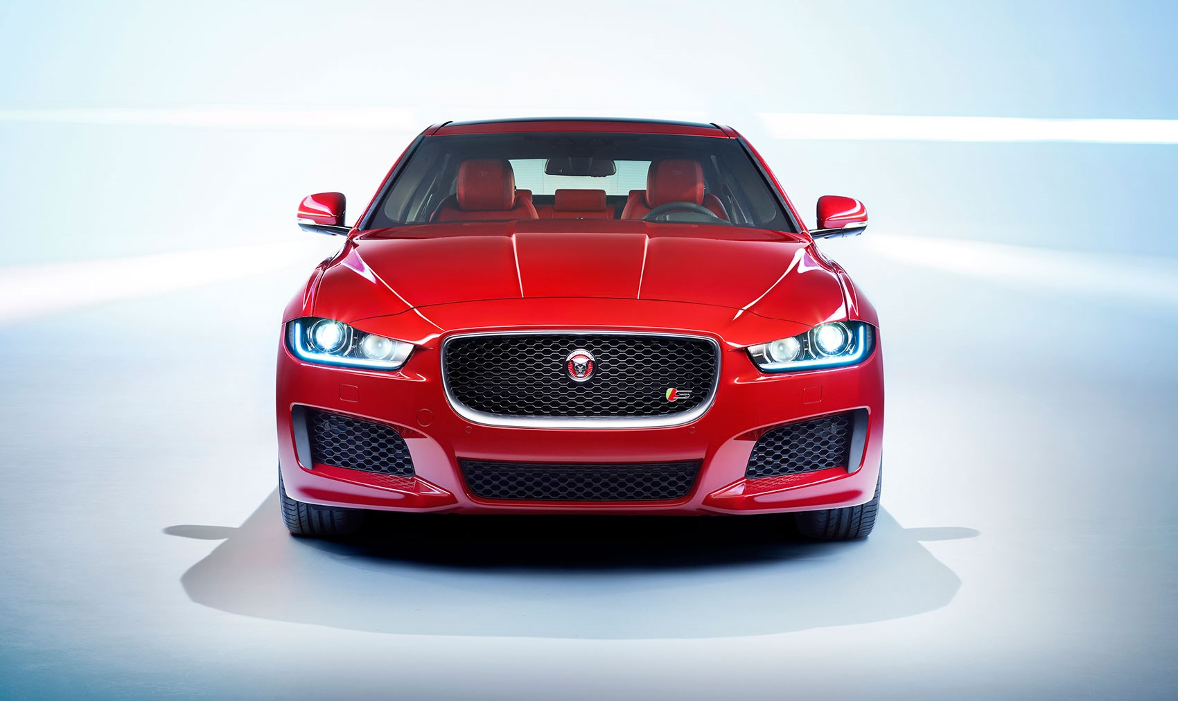 jaguar xe by car magazine. Black Bedroom Furniture Sets. Home Design Ideas
