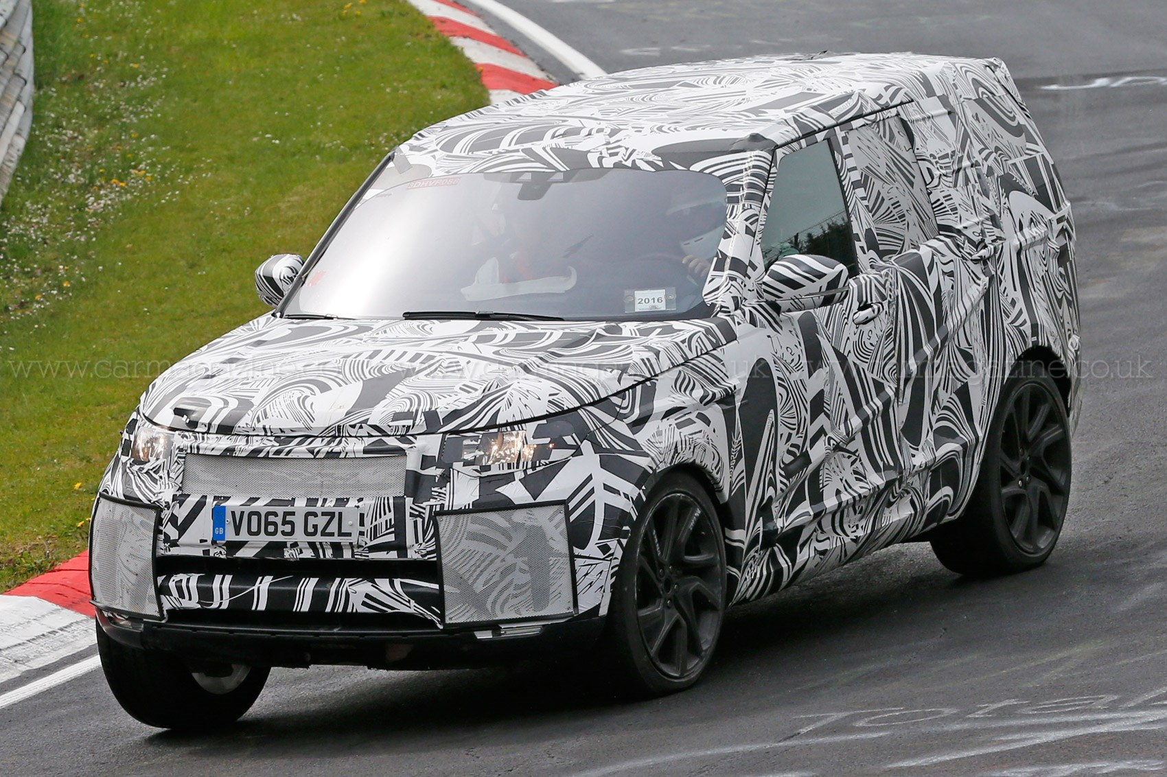 land rover defender 2018 spy shots. delighful defender 2016 nextgen land rover discovery spies on land rover defender 2018 spy shots
