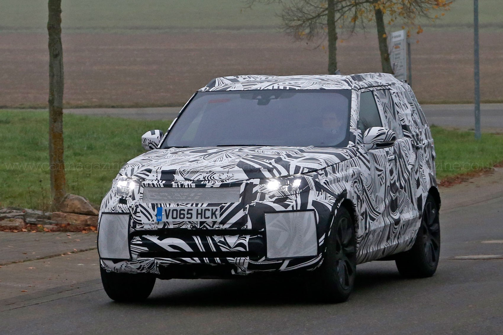new off land ca landrover shows wheels rover discovery lease news