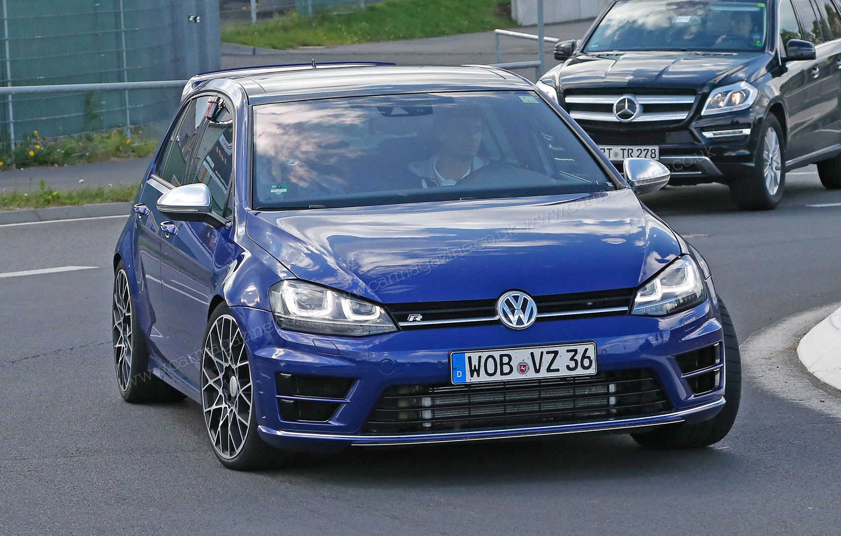 vw golf r420 spy photos best look yet at 2016 39 s super golf gti by car magazine. Black Bedroom Furniture Sets. Home Design Ideas