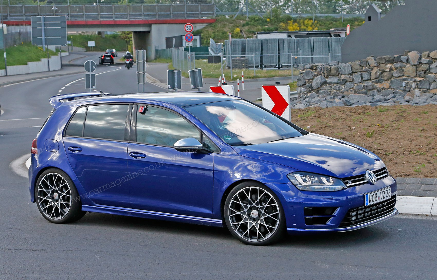 2017 Vw Golf R Abt Sportsline 38270 F 260733 furthermore Watch also Official 2017 Volkswagen Golf Gti Clubsport S together with Neo VW Golf R 2017 140366 in addition Ers ontakt Vw Golf 7 R Facelift Mit Biss. on vw golf r 400
