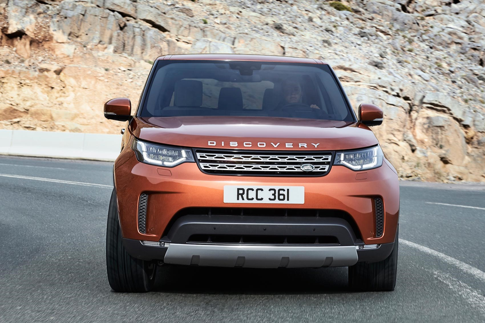 Discovery 5 is alive! Land Rover's new seven-seat practicality