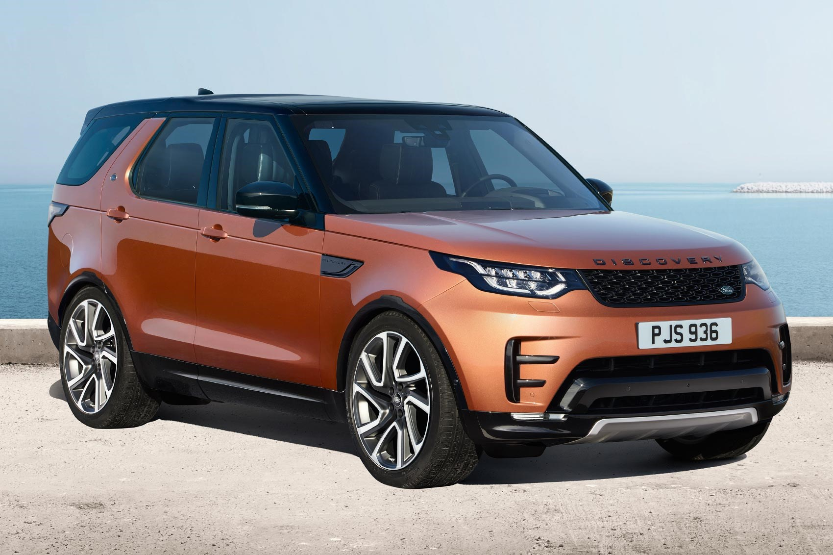 discovery 5 is alive land rover s new seven seat practicality monster unveiled car magazine. Black Bedroom Furniture Sets. Home Design Ideas