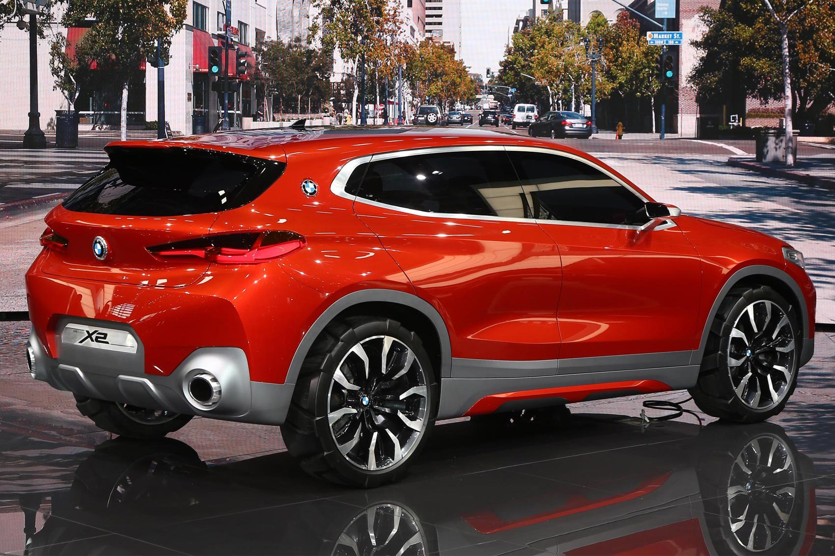 new bmw concept x2 they 39 ve gone and shrunk the x6 again. Black Bedroom Furniture Sets. Home Design Ideas