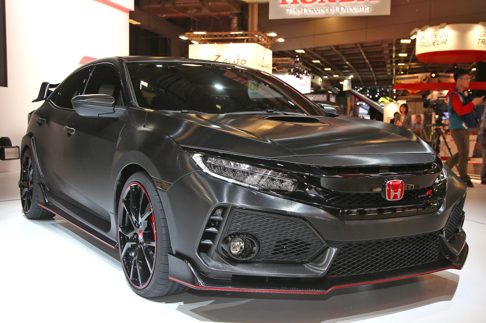 honda previews 2017 civic type r in paris car magazine. Black Bedroom Furniture Sets. Home Design Ideas