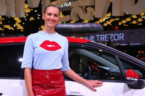 Love and kisses from the Paris motor show