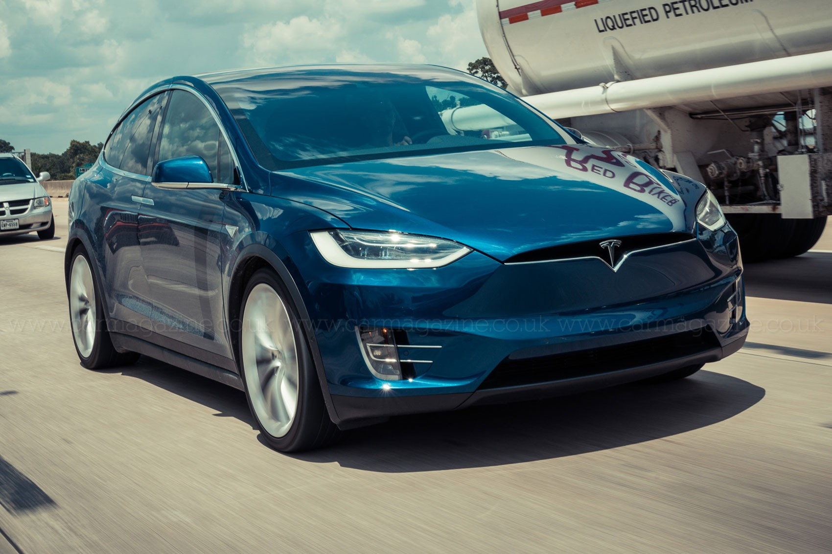 Tesla vs Texas a 700 mile road trip in a new Model X