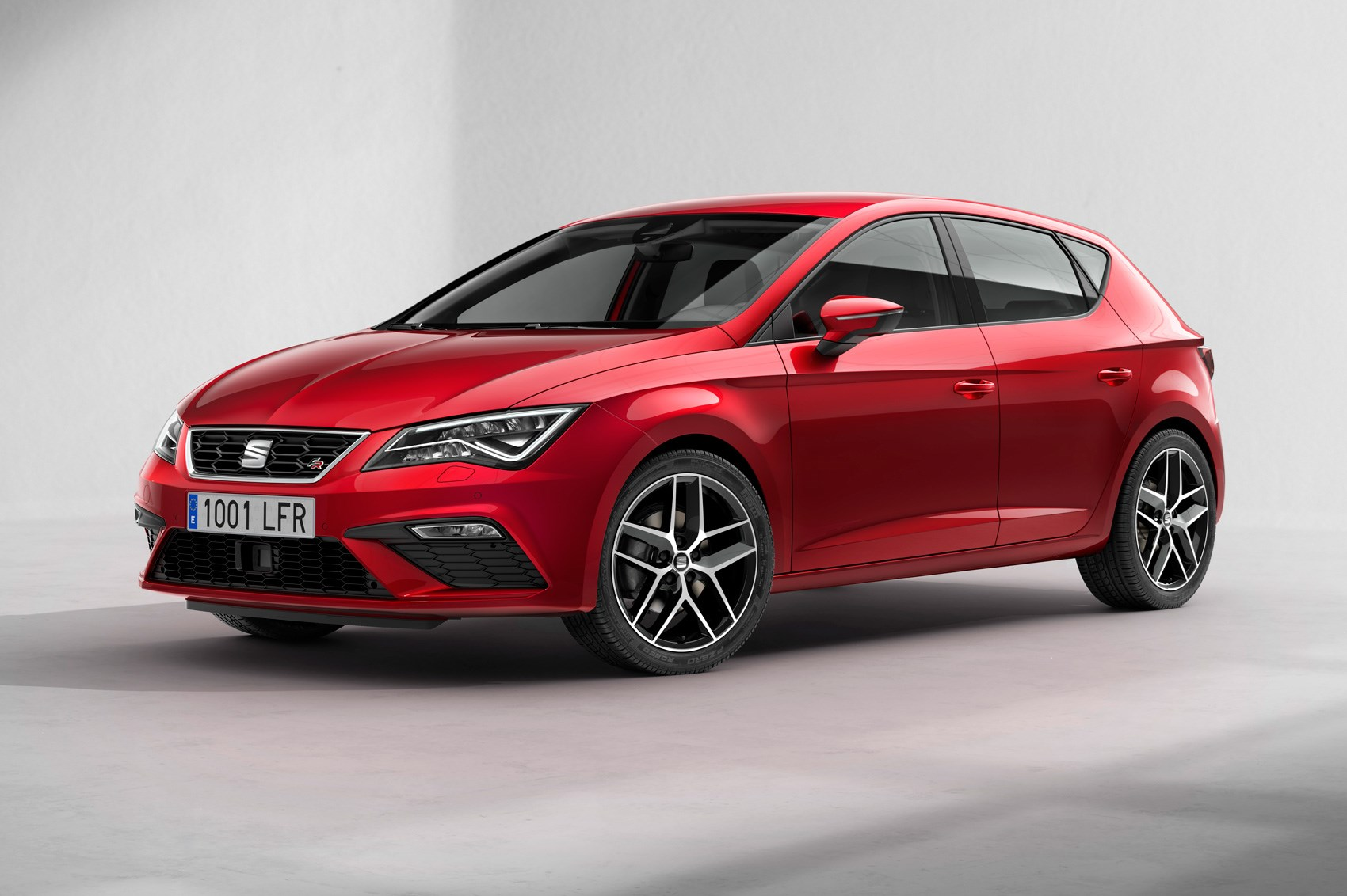revamped 2017 seat leon gets new tech and a subtle. Black Bedroom Furniture Sets. Home Design Ideas