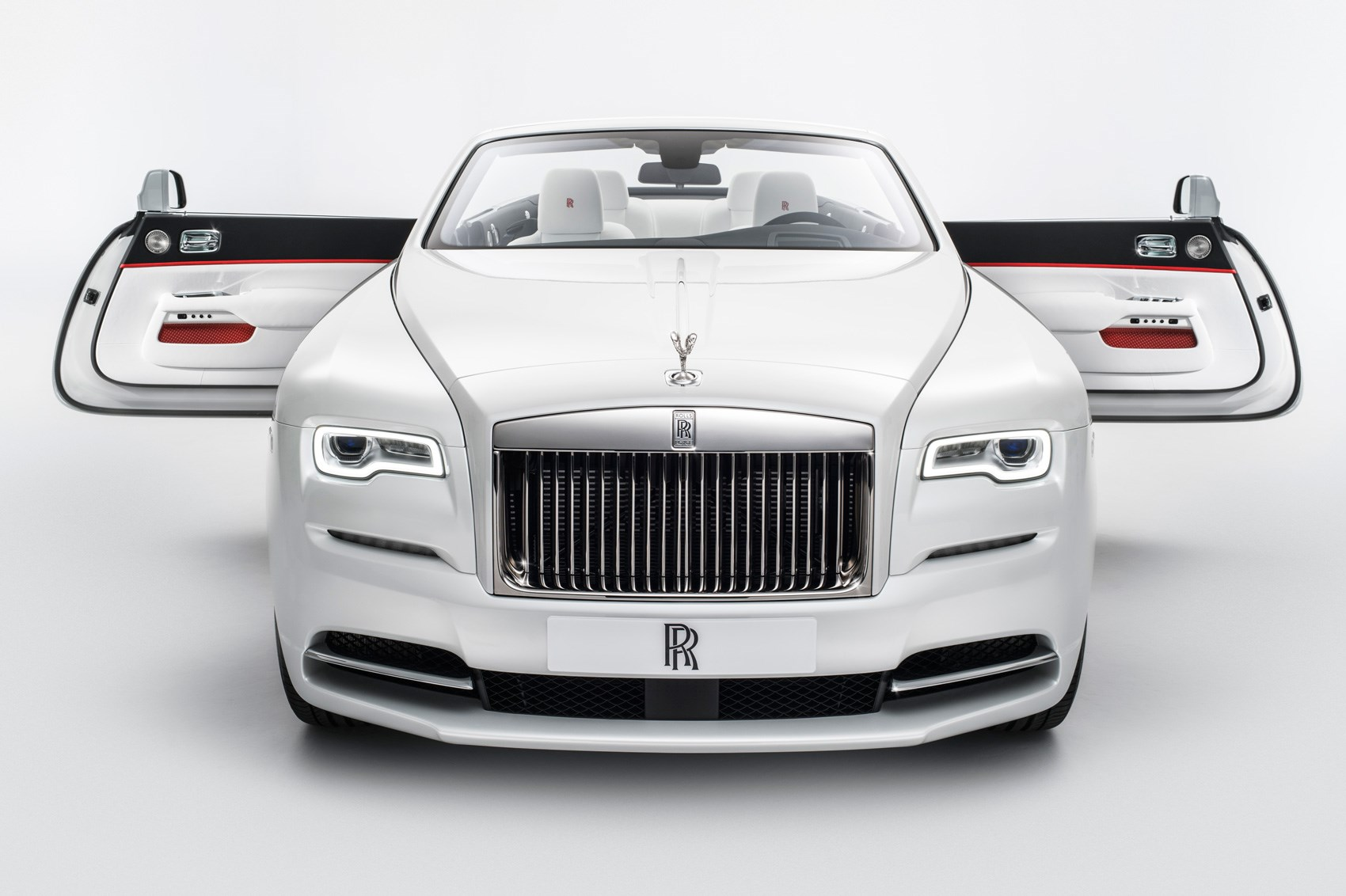 Brave new Dawn: Rolls-Royce 'Inspired by Fashion' unveiled ...