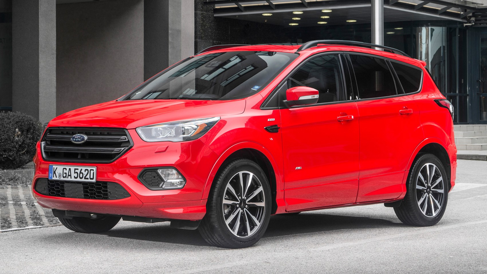 Ford Kuga ST-Line 1.5T Ecoboost Automatic AWD (2016) review by CAR ...