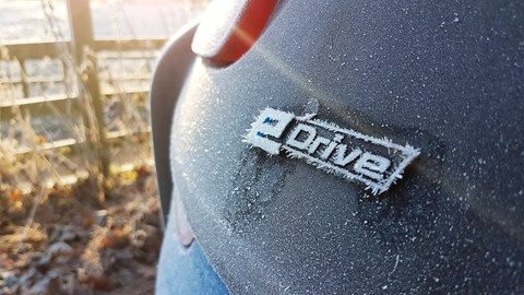 Pre-heat your BMW i8 on frosty mornings