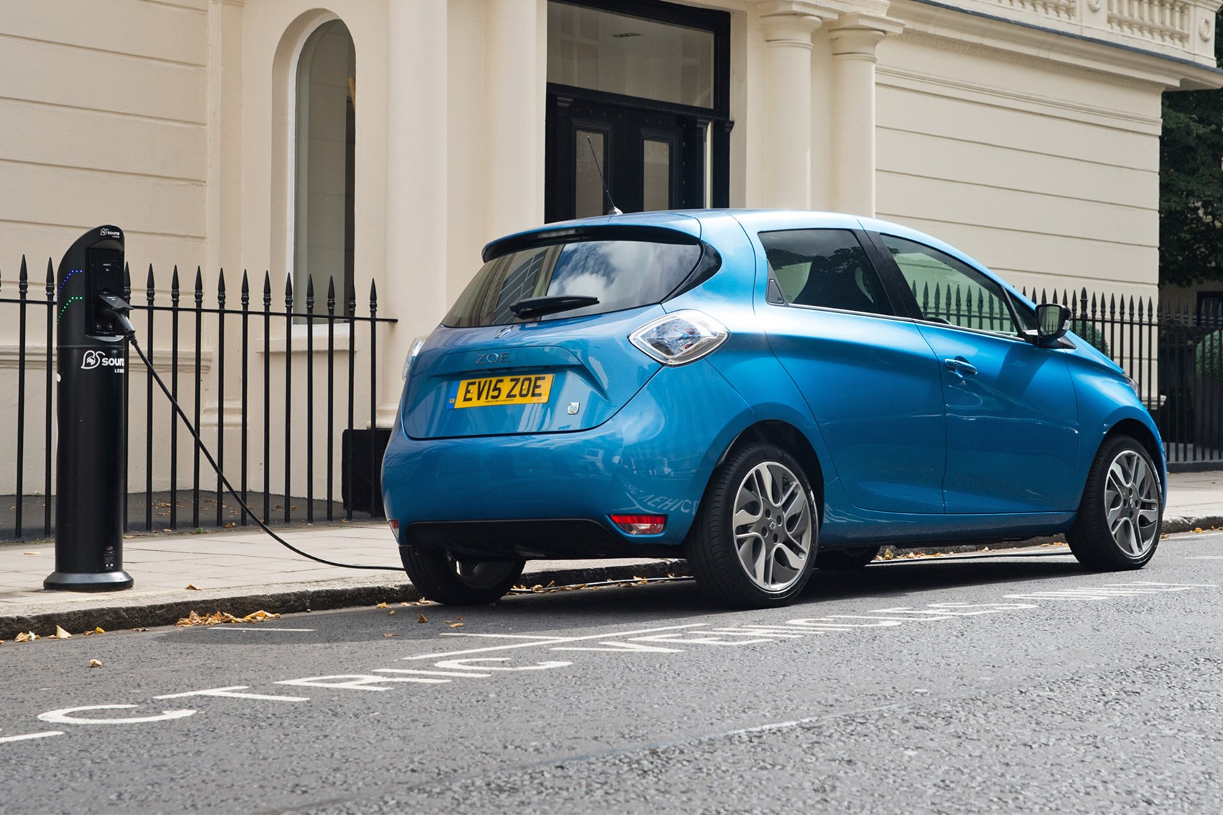 New 2017 Renault Zoe Z E 40 On Sale For 163 18k By Car Magazine
