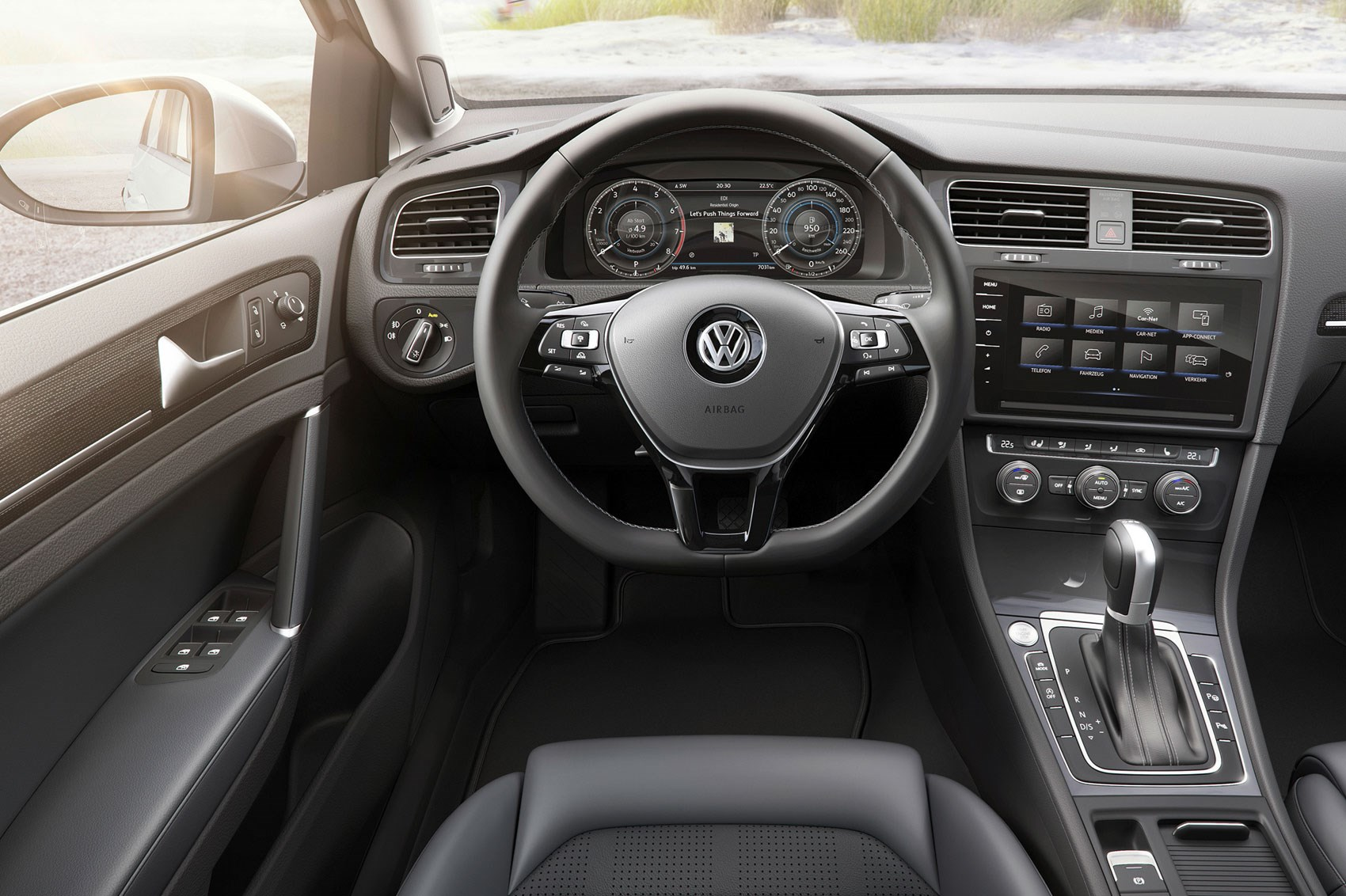 Seven things you need to know about the facelifted 2017 vw for Interieur nouvelle polo