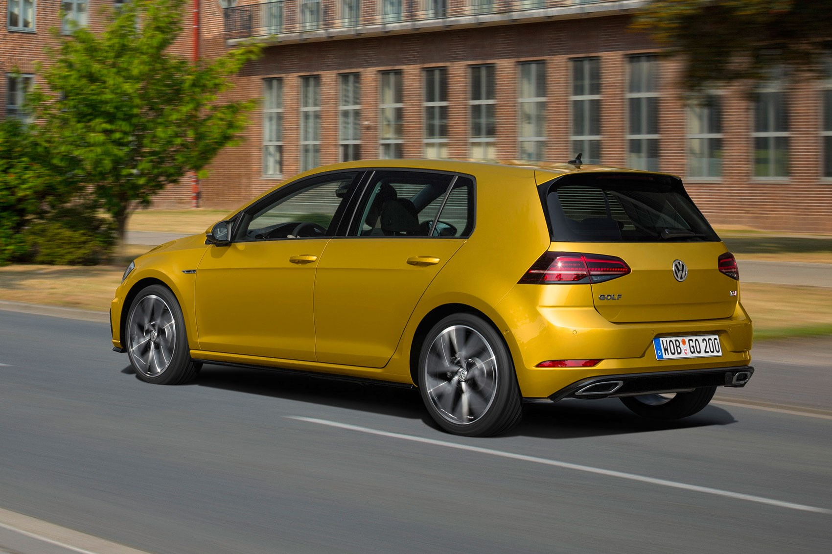 seven things you need to know about the facelifted 2017 vw golf by car magazine. Black Bedroom Furniture Sets. Home Design Ideas
