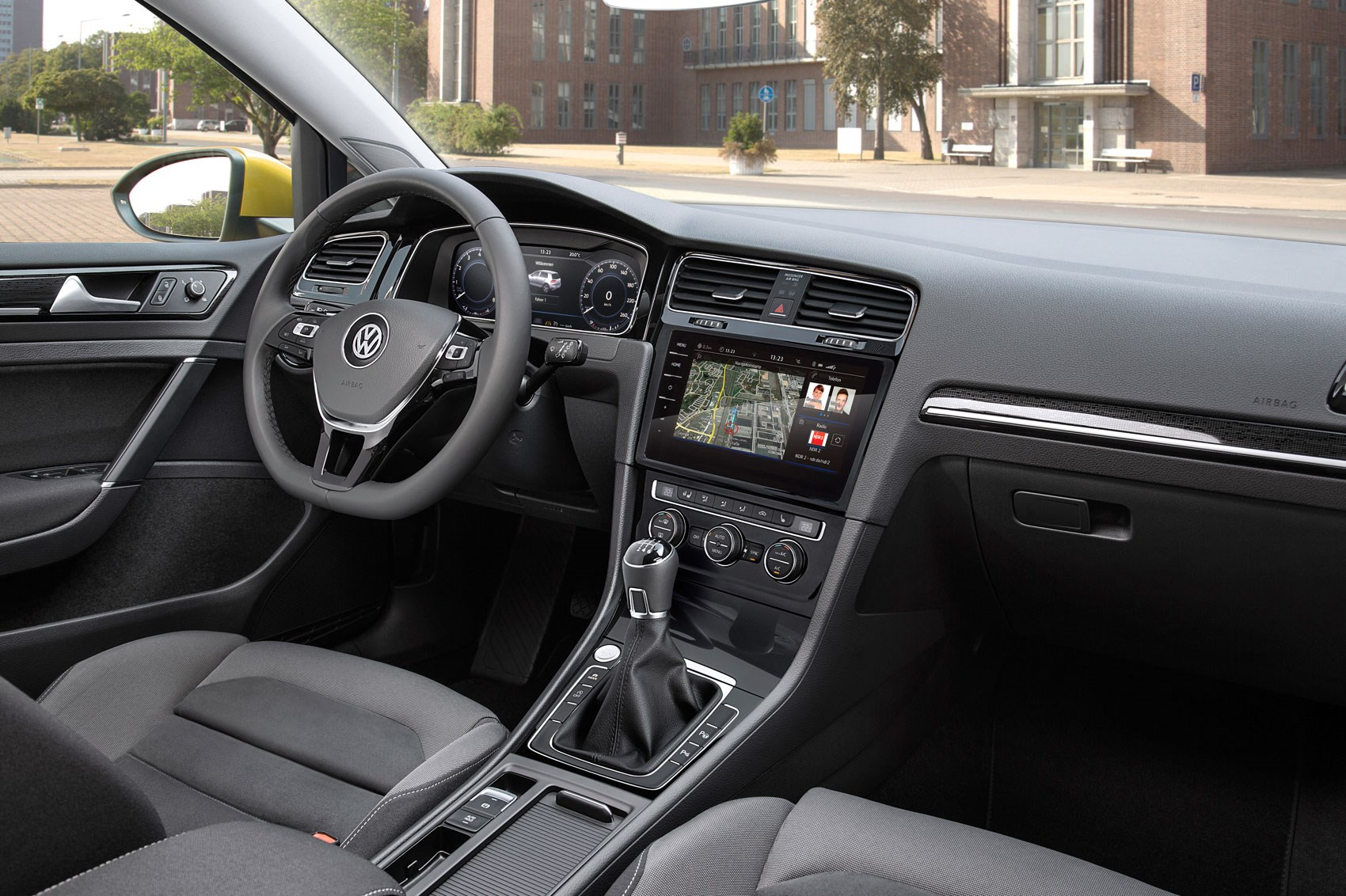 Seven Things You Need To Know About The Facelifted 2017 Vw Golf Hooking Up Column Switch For Signal Lights And Headlight Dimmer Volkswagen Mk7