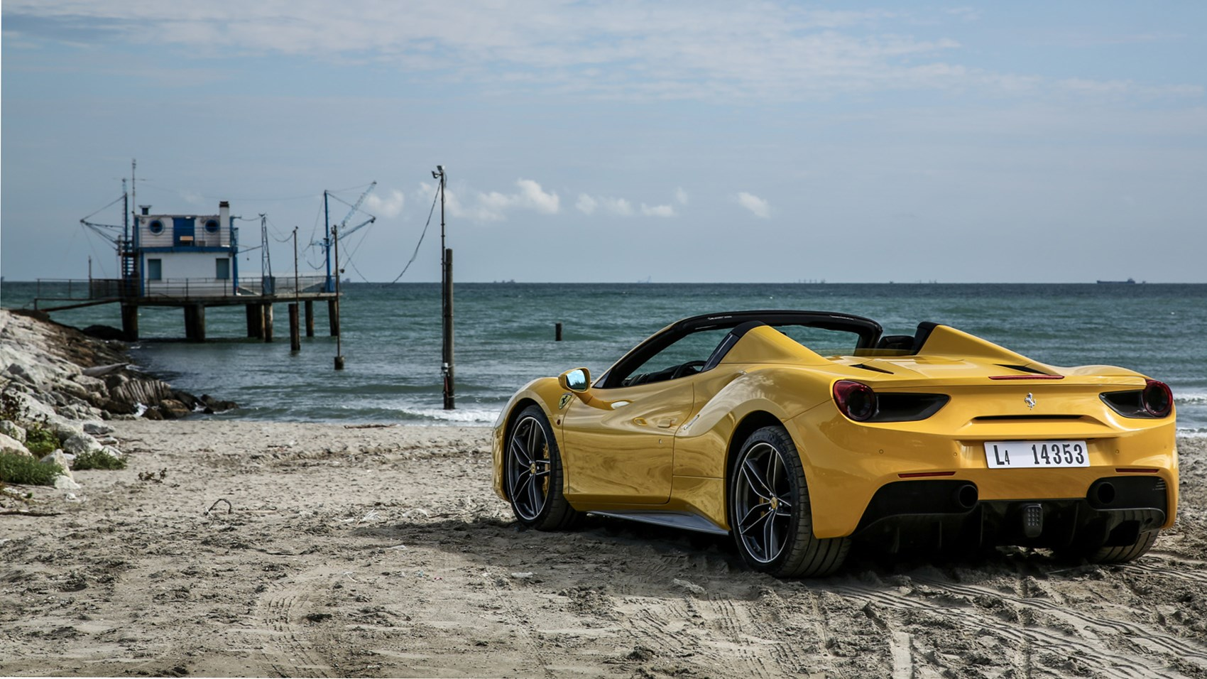 ... Ferrari 488 Spider (2016) Review ...