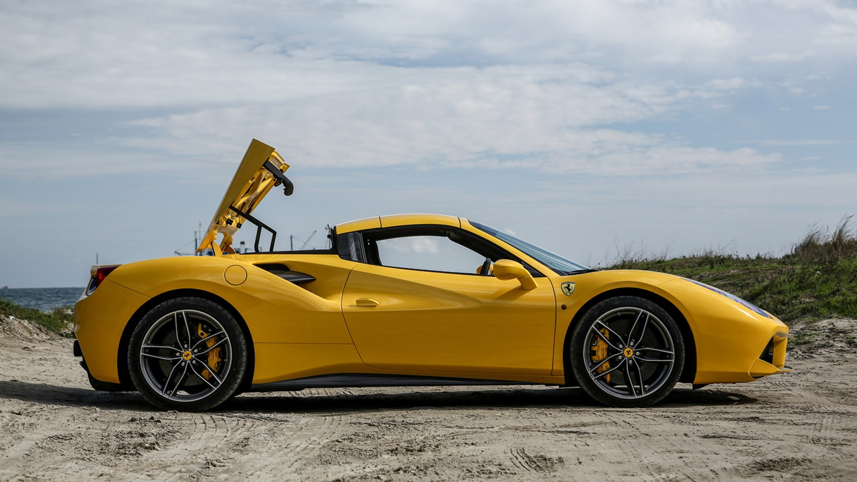 ferrari 488 spider 2016 review car magazine. Black Bedroom Furniture Sets. Home Design Ideas