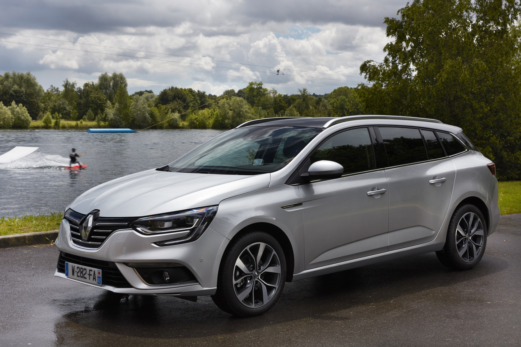 Renault Megane Sport Tourer To Start From 163 18 550 By Car
