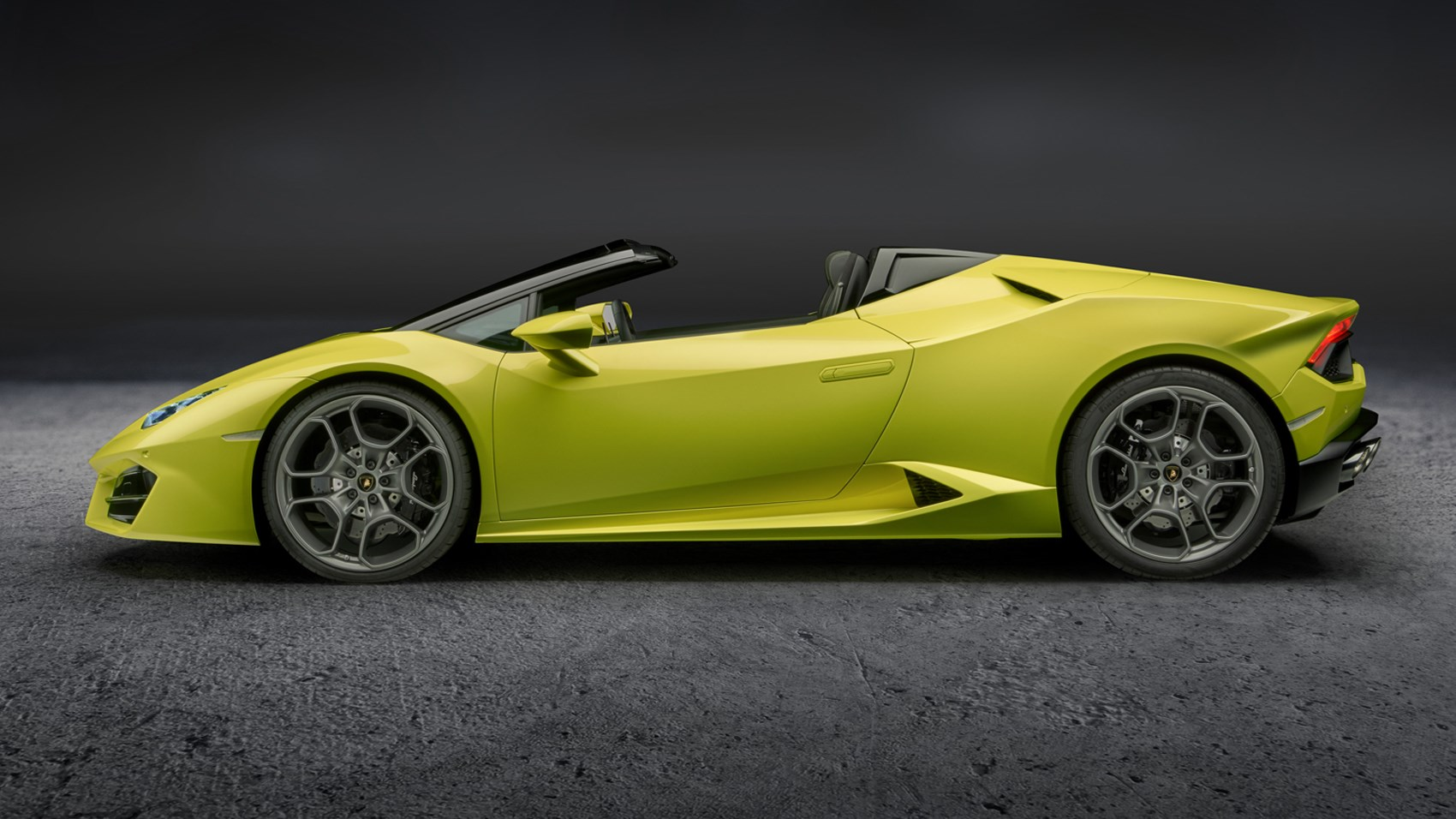 lamborghini huracan spyder goes rear wheel drive for 2017