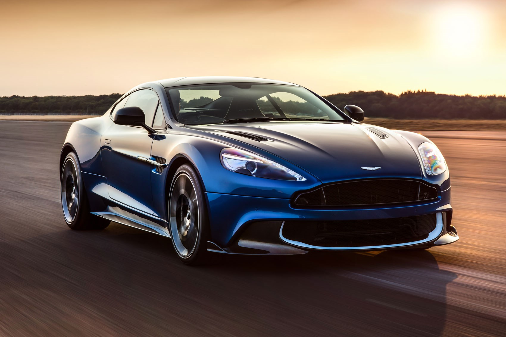 aston martin unveils 595bhp vanquish s by car magazine. Black Bedroom Furniture Sets. Home Design Ideas