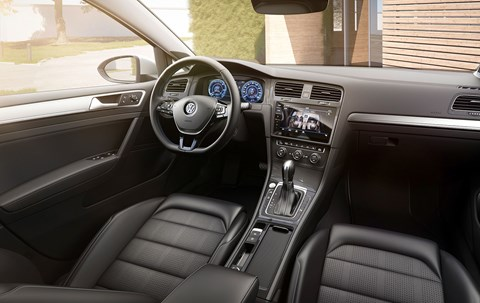 Inside the new 2017 Volkswagen e-Golf