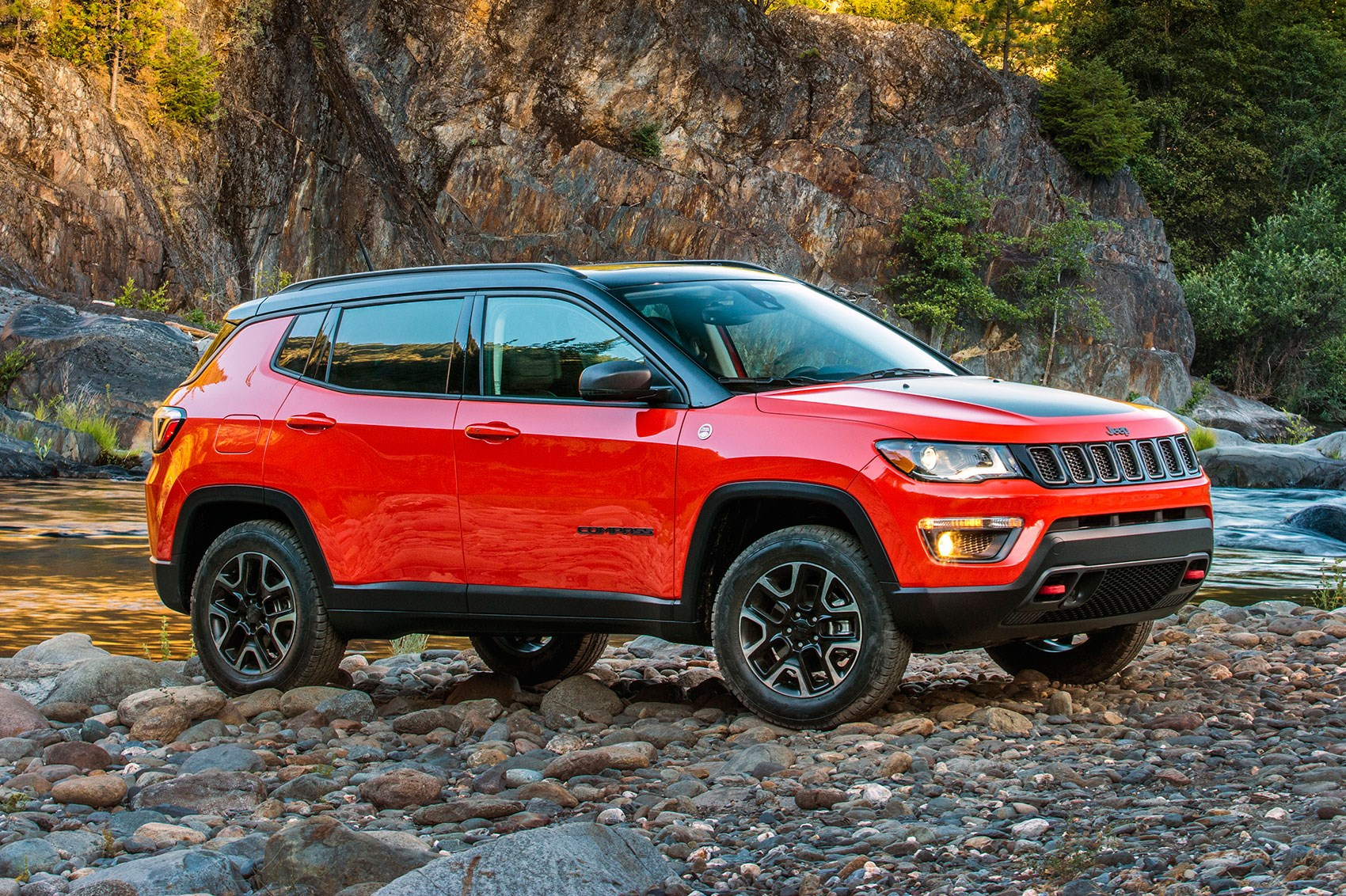 Jeep Renegade Trailhawk For Sale >> New Jeep Compass unveiled at LA Auto Show | CAR Magazine