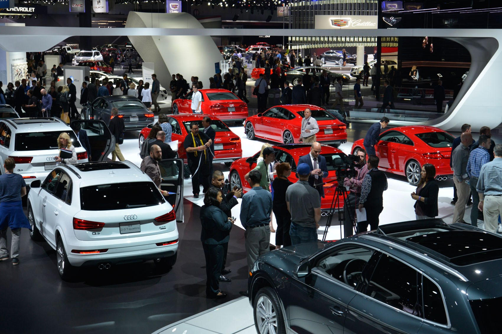 Los Angeles Auto Show Report Insight Trends And Pictures - Car show in los angeles this weekend