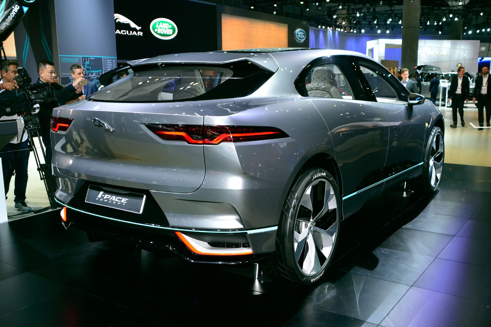 2016 los angeles auto show report insight trends and for What does a motor vehicle report show