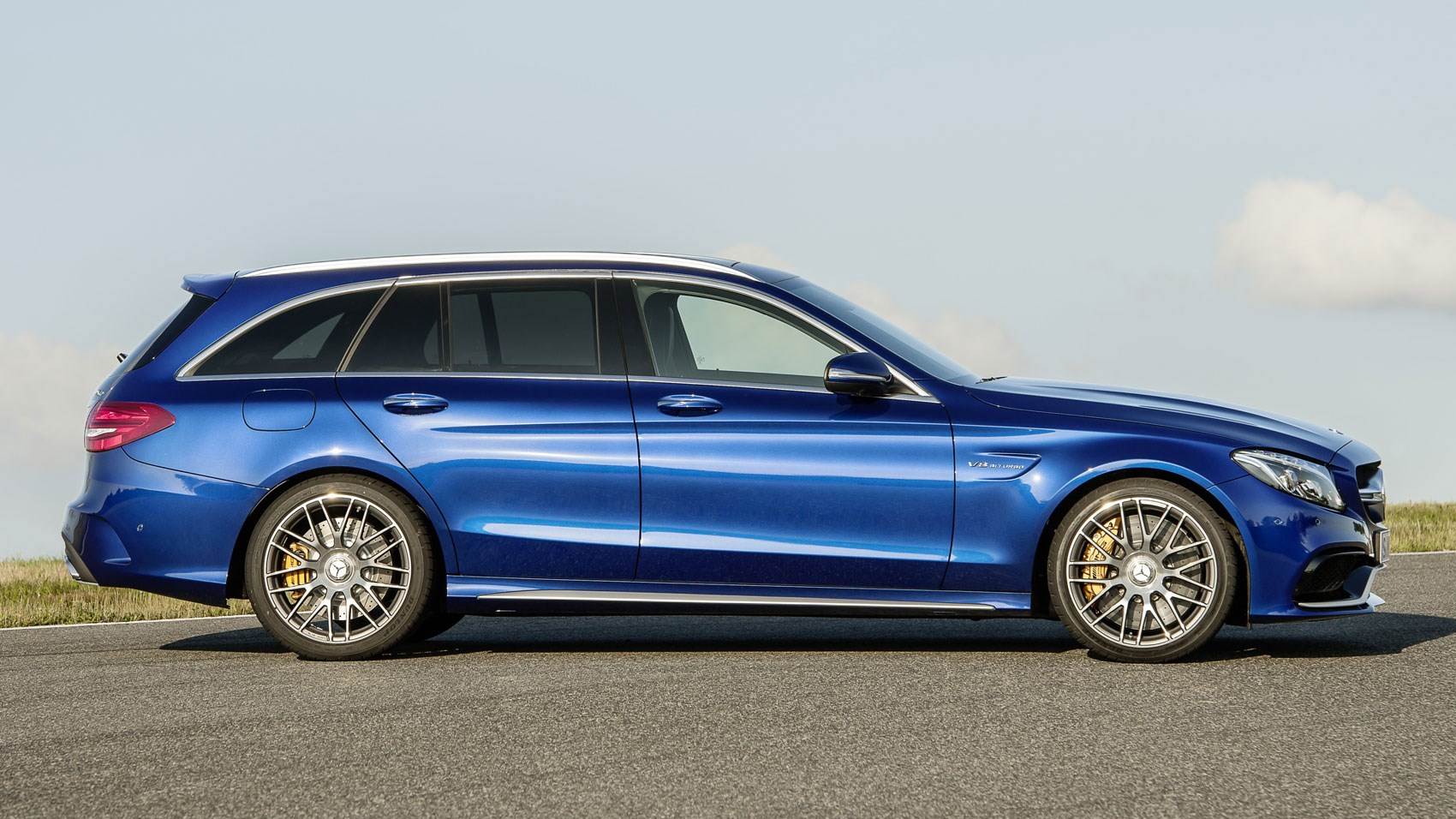 Mercedes-AMG C63 S Estate (2016) review by CAR Magazine