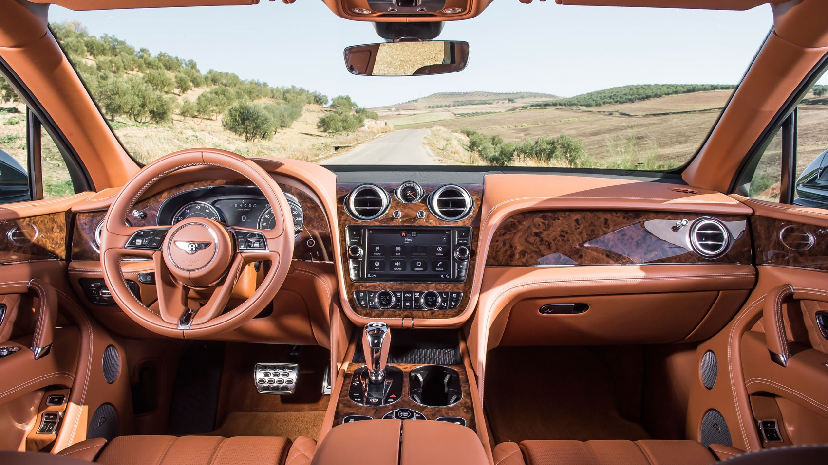 bentley bentayga 2016 us review by car magazine. Black Bedroom Furniture Sets. Home Design Ideas