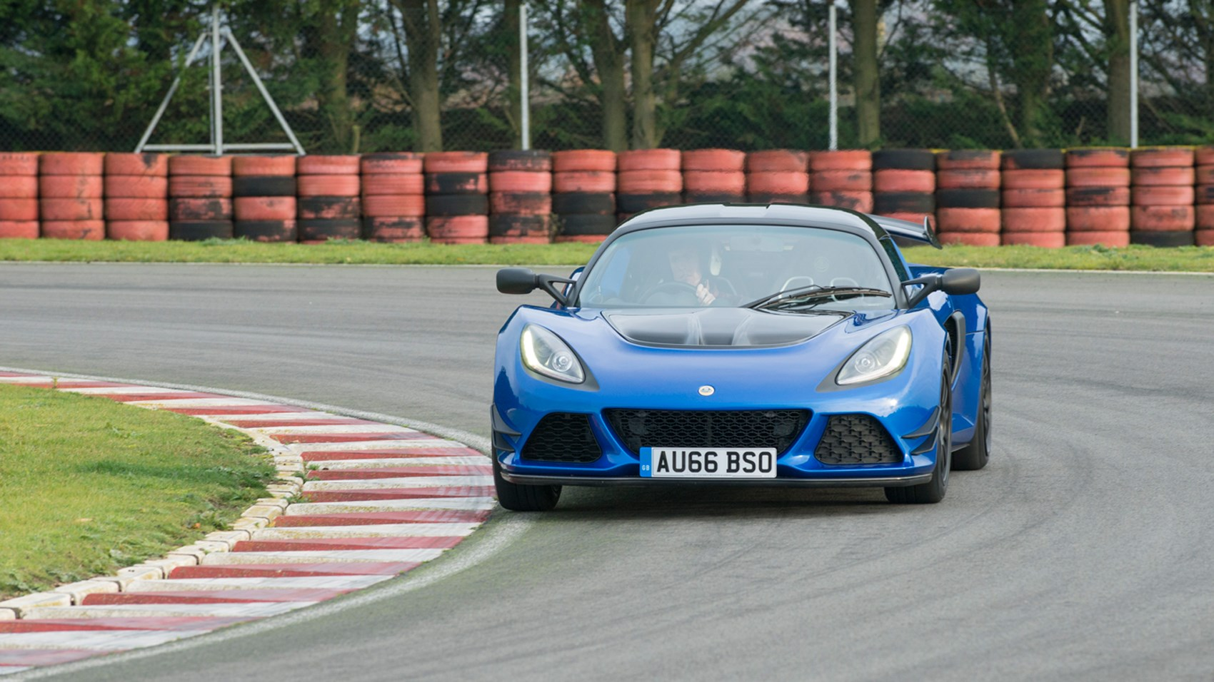 https://www.carmagazine.co.uk/Images/PageFiles/68250/Exige05.jpg