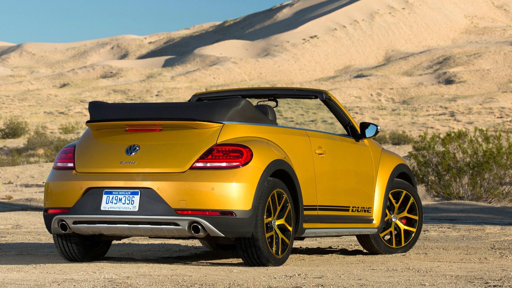 vw beetle dune cabriolet 1 2 tsi dsg 2016 review car. Black Bedroom Furniture Sets. Home Design Ideas