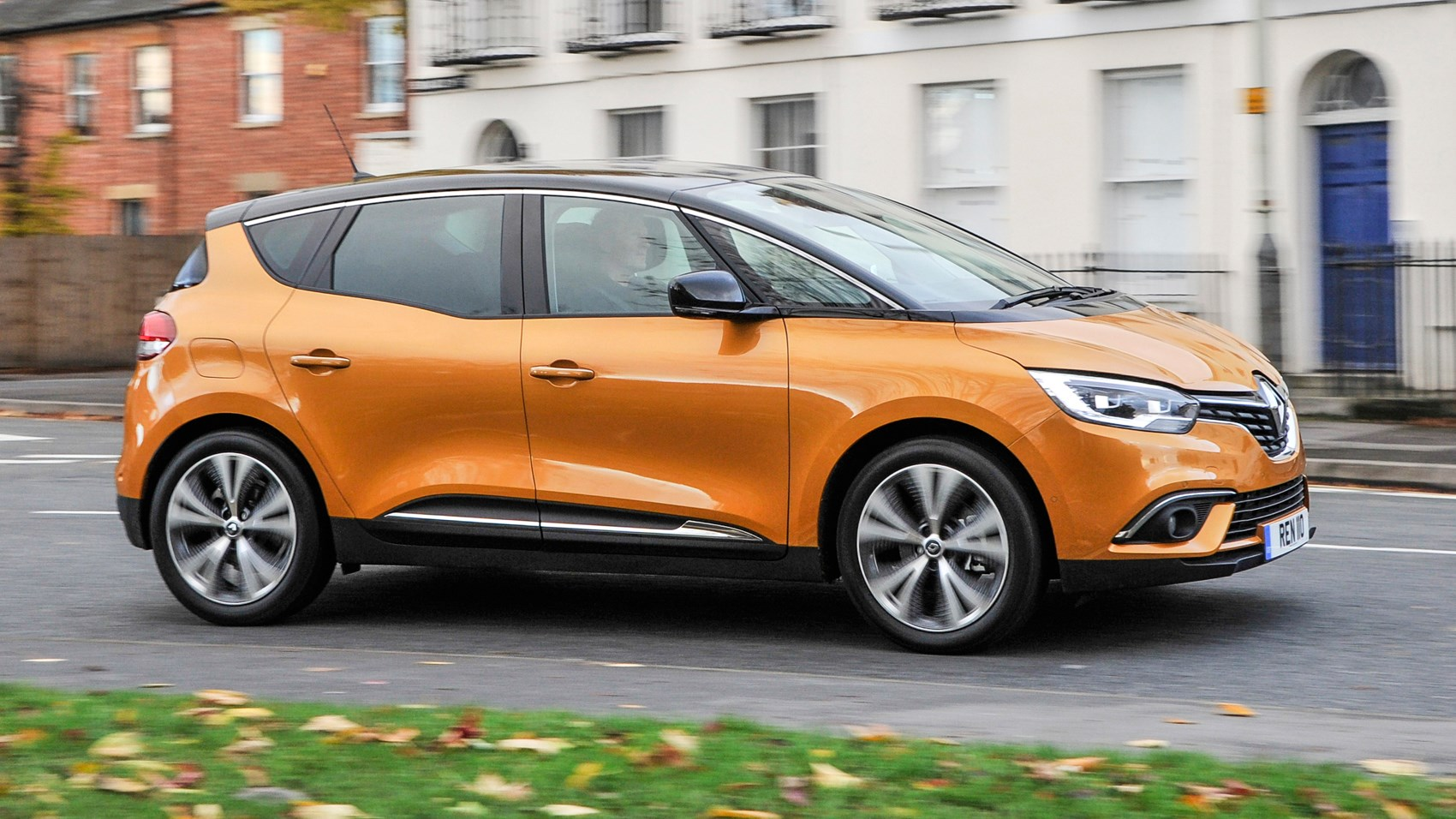 renault scenic dynamique s nav dci 110 2016 review by car magazine. Black Bedroom Furniture Sets. Home Design Ideas