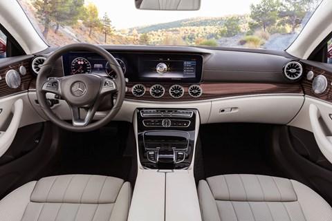 Mercedes-Benz E-class Coupe dashboard
